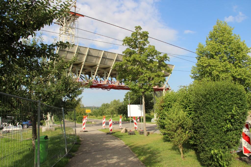 Sieht wieder aus wie neu: Schutzbrücke aus Stahl nach erfolgter Sanierung.